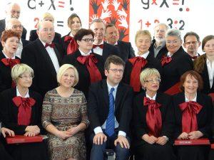 """M.D. Gluch (centre) su choru """"Polonia"""""""